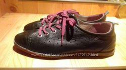 Продаются женские кроссовки ecco