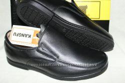 Школьные туфли мокасины для мальчика Kangfu .