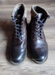 Ботинки Clarks кожаные, высокие