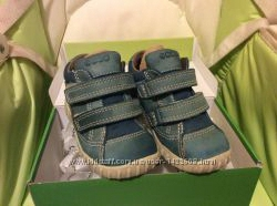 Детские демисезонные ботиночки ECCO