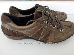 Спортивные туфли Clarks 39-40 размер