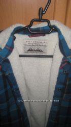 Класснючая курточка на меховой подкладке  NEXT   , р 6-8л