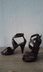 Босоножки черные кожаные Naturalizer 38, 5-39 размер