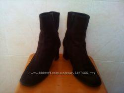 Ботинки ботильены деми шоколадного цвета.