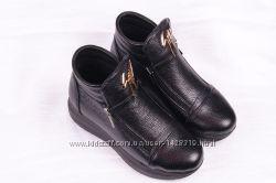 Женские кожаные ботинки 00002