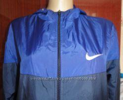 Стильная мужская ветровка Nike