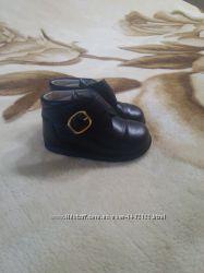 Продам кожаные фирменные ботиночки для мальчика Pat et Ripaton, р. 20