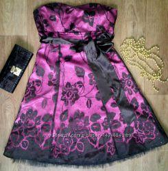Шикарное платье Jane Norman, М в идеалеМожно на выпускной.