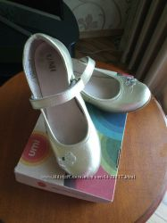 Туфли для девочки золотые UMI