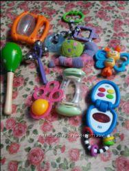 Срочно лотами для малышей. погремушки, бубен, грызунок, прорезыватель, телефон