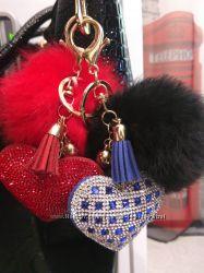 Помпон-брелок меховой с сердцем, на ключ, сумку, качественный мех, подарок.