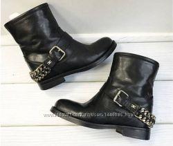 Elisabetta Franchi ботинки оригінал 40-41 стан нових