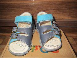 Кожаные сандалии DDStep. Качество
