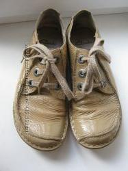 Туфли Clarks, 100 натуральный лак кожа, длина по стельке-25см