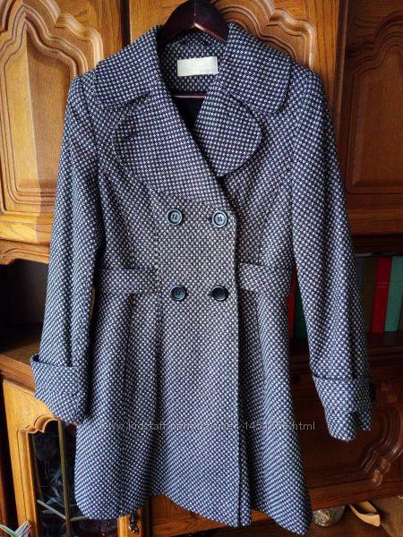 Весеннее шерстяное пальто