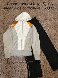 4f1e78c1e1b8 Продаю спорт костюм Nike S, оригинал, 500 грн. Женские спортивные ...