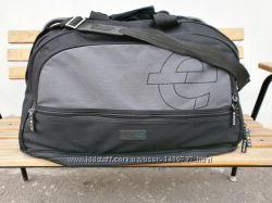 Дорожная большая вместительная сумка