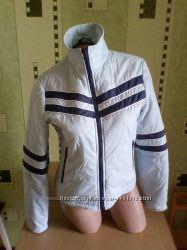 Яркая демисезонная куртка 46-48размера