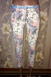 Летние укорочённые штаны, бриджи в цветочный принт