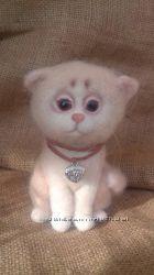 Котик из натуральной шерсти валяный