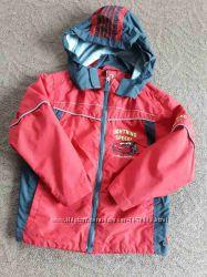Куртка, курточка, ветровка фирмы C&A Disney тачки на рост 110