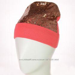 Трикотажные шапки с блестящими пайетками