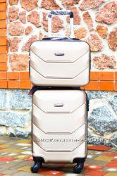 Огромный выбор чемоданов большие , средние, маленькие ручная кладь Киев