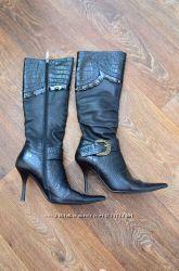 Черные Женские кожаные демисезонные сапоги бу 37 размер