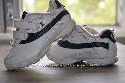 Продам детские кроссовки Champion