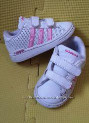 Кроссовки Adidas кожа 22 размер