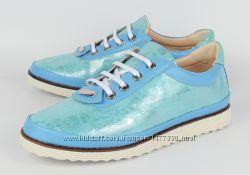 Туфли женские  на шнуровке Glam на белой подошве  2 цвета