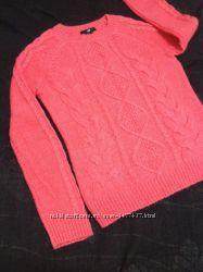 Ярко-розовый свитер  фирмы H&M