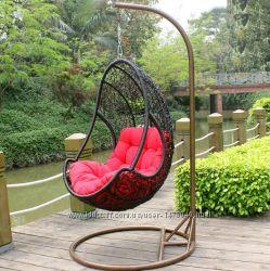 Плетеное подвесное кресло из искусственного ротанга