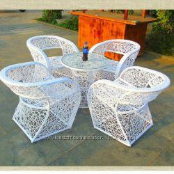 комплект мебели стол и стулья