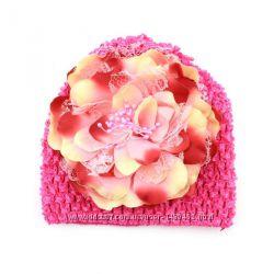 Ажурная шапка с цветком