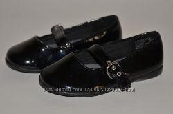Кожаные черные лакированные туфли для девочки Smart Fit.
