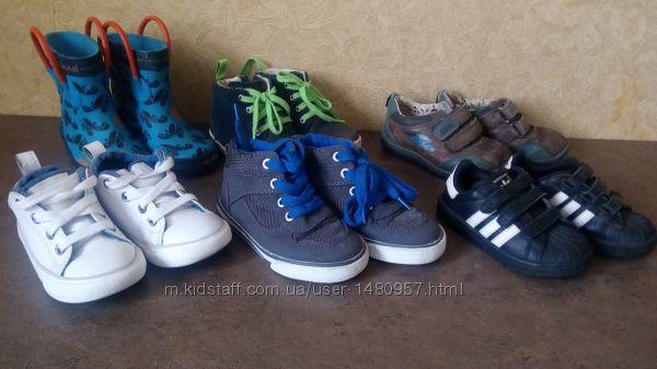 Продам детские кросовочки,  кеды,  хайтопы,  резиновые сапожки,  ботиночки