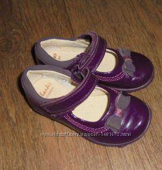 Нарядные туфли светящиеся Clarks лаковые