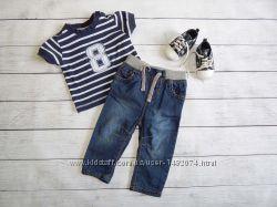 Костюм на мальчика 3-6 месяцевджинсы early days и футболка m&co. Без обуви
