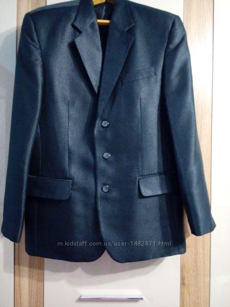 Костюм мужской пиджак и штаны студенту, или в офис 48 р
