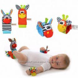 Игрушка погремушка, браслеты с погремушкой, носочки для малыша