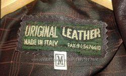 Куртка из натуральной кожи красивого темно-баклажанового , почти коричневог