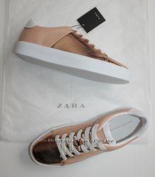 Золотые кеды Zara Очень красивые