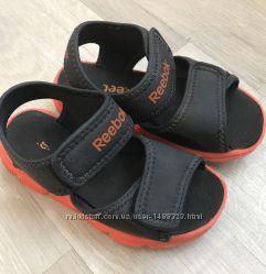Продам сандали Reebok 16см