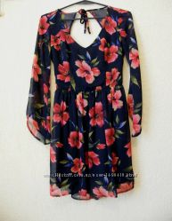 Оригинальное платье с открытой спинкой HOLLISTER. Made in India
