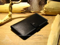 Портмоне из натуральной кожи черного цвета ручной работы