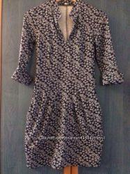 Нарядное платье с декольте