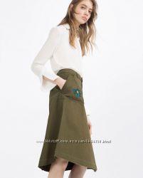 Трендовая юбка-трапеция из денима с распущеным краем от Zara