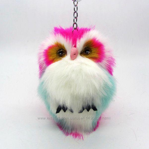 Пушистый брелок сова, украшение для сумочки, рюкзака или ключей.