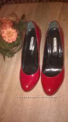 Туфли лаковые от бренда Mario Mikke